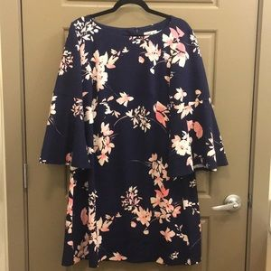 Eliza J Size 16 Navy Floral Bell Sleeve Dress